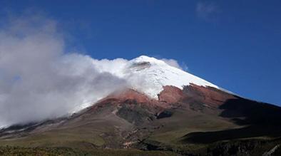 Actividad de volcán es moderada-alta