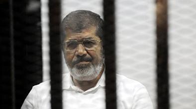 Condenan a la horca al expresidente Mursi
