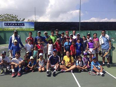 El tenis manabita en busca de nuevos talentos