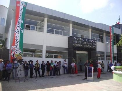 Remodelación del edificio municipal de Montecristi costó más de 750 mil dólares