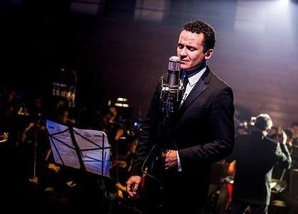 Fonseca promete 'un viaje por distintos sonidos' en su próximo disco