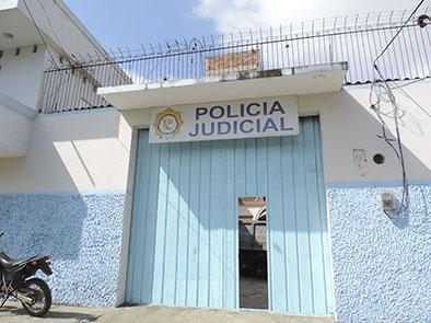 Dos personas son  detenidas por cometer un robo en una casa