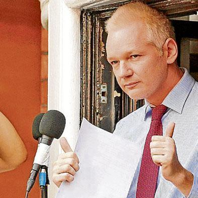 Gobierno evalúa pedido de Suecia por Assange