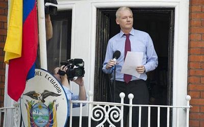 Julian Assange cumple tres años de encierro a la espera de ser interrogado