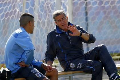 Uruguay enfrentará a Paraguay con 'las precauciones de una final', dice Tabaréz