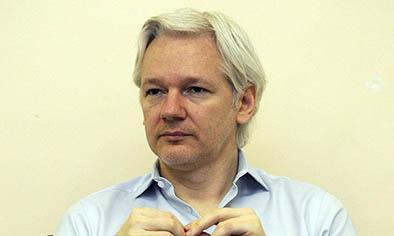 Assange lleva 3 años en embajada