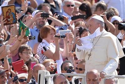 La 'verdadera plaga social' es el desempleo juvenil, dice el papa Francisco