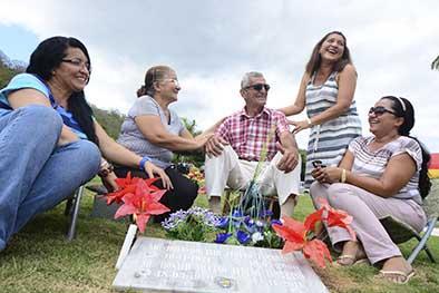 En los cementerios se vivió un día diferente
