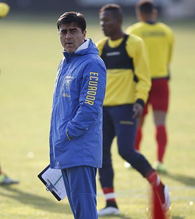 Quinteros asume culpa tras eliminación en la Copa América