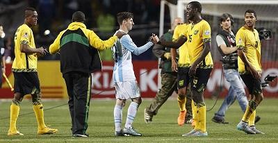 A Messi ahora le piden selfie los rivales