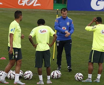 Brasil busca mejorar su puntería sin Neymar
