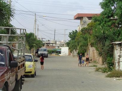 Alcantarillado, la principal necesidad del barrio Hugo Mayo