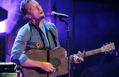 La primera guitarra de Chris Martin se vende por 28 mil dólares