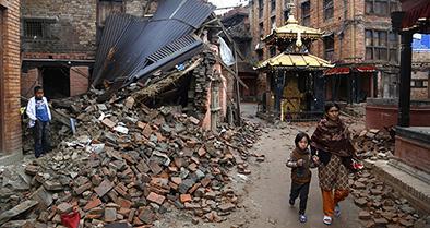 Nepal busca solidaridad internacional tras terremoto