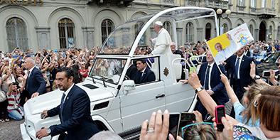 El papa envía saludo al país