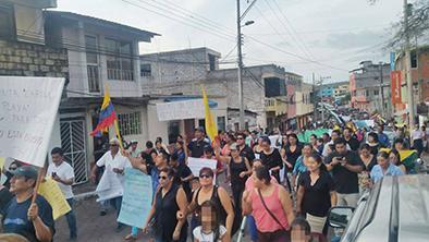Galápagos  protesta por ley