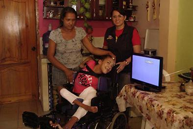 Liliana recibió el  televisor que soñaba
