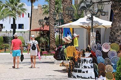 Miles de turistas  huyen de Túnez tras el atentado del viernes