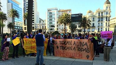 Mujeres uruguayas  defienden su seguridad a través de marchas