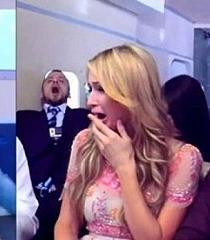 Paris Hilton rompe en llanto al pensar que su avión iba a caer (VIDEO)