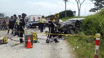 Accidente en la vía Quinindé- Santo Domingo deja dos muertos