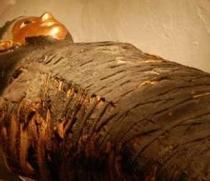 Hallan cuatro tumbas con momias de niños de hace más de 5.000 años en Egipto
