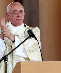 El papa dice que la Virgen María no es una suegra que vigila nuestros errores