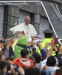 Francisco pide a Latinoamérica evitar leyes que fomenten represión y control
