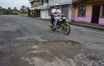 Calle Río Chila: Moradores denuncian exceso de huecos en la vía