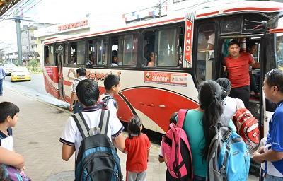 Choferes y oficiales de bus recibirán clases de buen trato al usuario