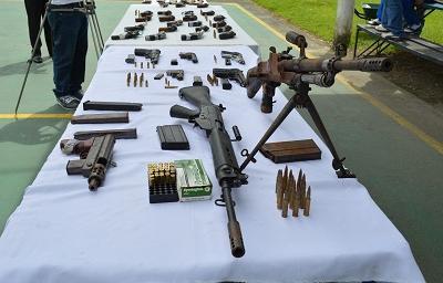 Policía Nacional entregará armas decomisadas a las Fuerzas Armadas