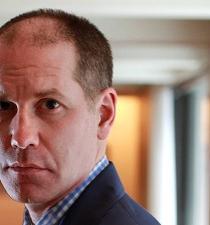 Renuncia el editor de Rolling Stone tras polémica historia sobre violación