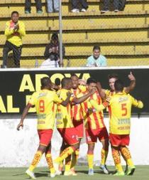El Aucas goleó por 4-0 a River Ecuador