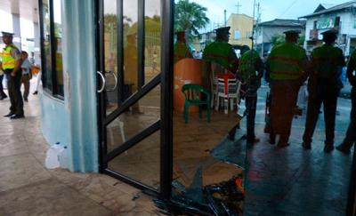 Intentan ingresar a la fuerza al municipio de Quinindé