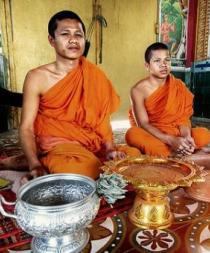 Turista pierde su iPod y descubre que monje budista fue quien lo encontró