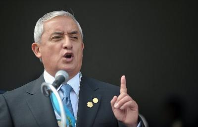 Presidente de Guatemala presenta amparo para evitar retiro de inmunidad