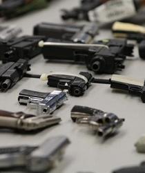 El papa arremete contra los fabricantes y traficantes de armas