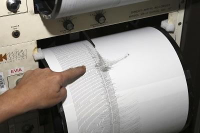 Decretan alerta de tsunami tras sismo de 8,3 grados en Chile