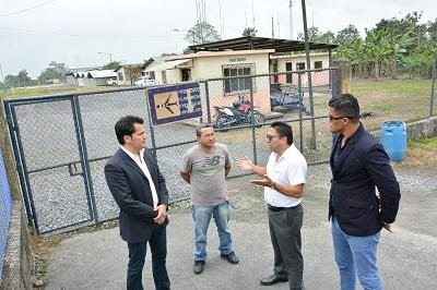 Presidente Correa decide cerrar el aeropuerto de Santo Domingo