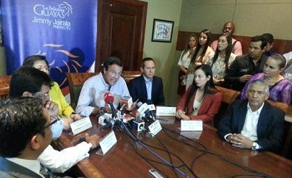 Prefecto de Guayas respeta decisión de habitantes de La Manga del Cura
