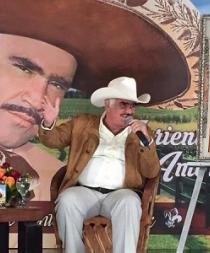 Vicente Fernández se despedirá del público con un concierto en febrero
