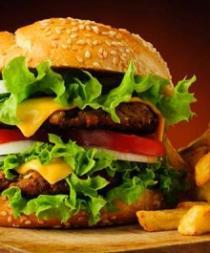 Cadena de restaurantes ofrece comida gratis a cambio de un tuit