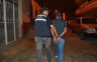 Un hombre es detenido durante el allanamiento de una vivienda