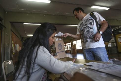 Argentina elige hoy a su nuevo presidente el diario ecuador for Noticias farandula argentina hoy