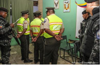 Operativo Eslabón 78 dejó doce detenidos, entre ellos nueve policías