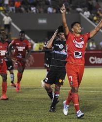 River Plate vence al Aucas con gol de Daniel Neculman