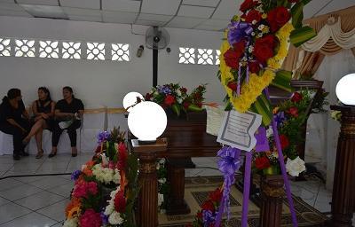El último adiós a mujer que murió al caerle una piedra en la vía Aloág-Santo Domingo