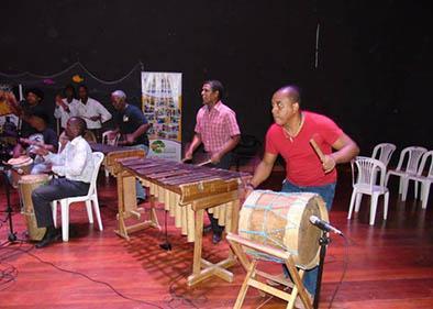 Difunden tradición musical: la marimba