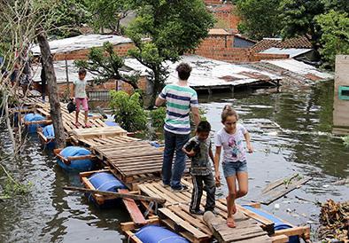 Gobierno dispone evacuación de  7 mil habitantes