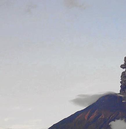 Los volcanes Reventador y Cotopaxi mantienen  diverso nivel de actividad